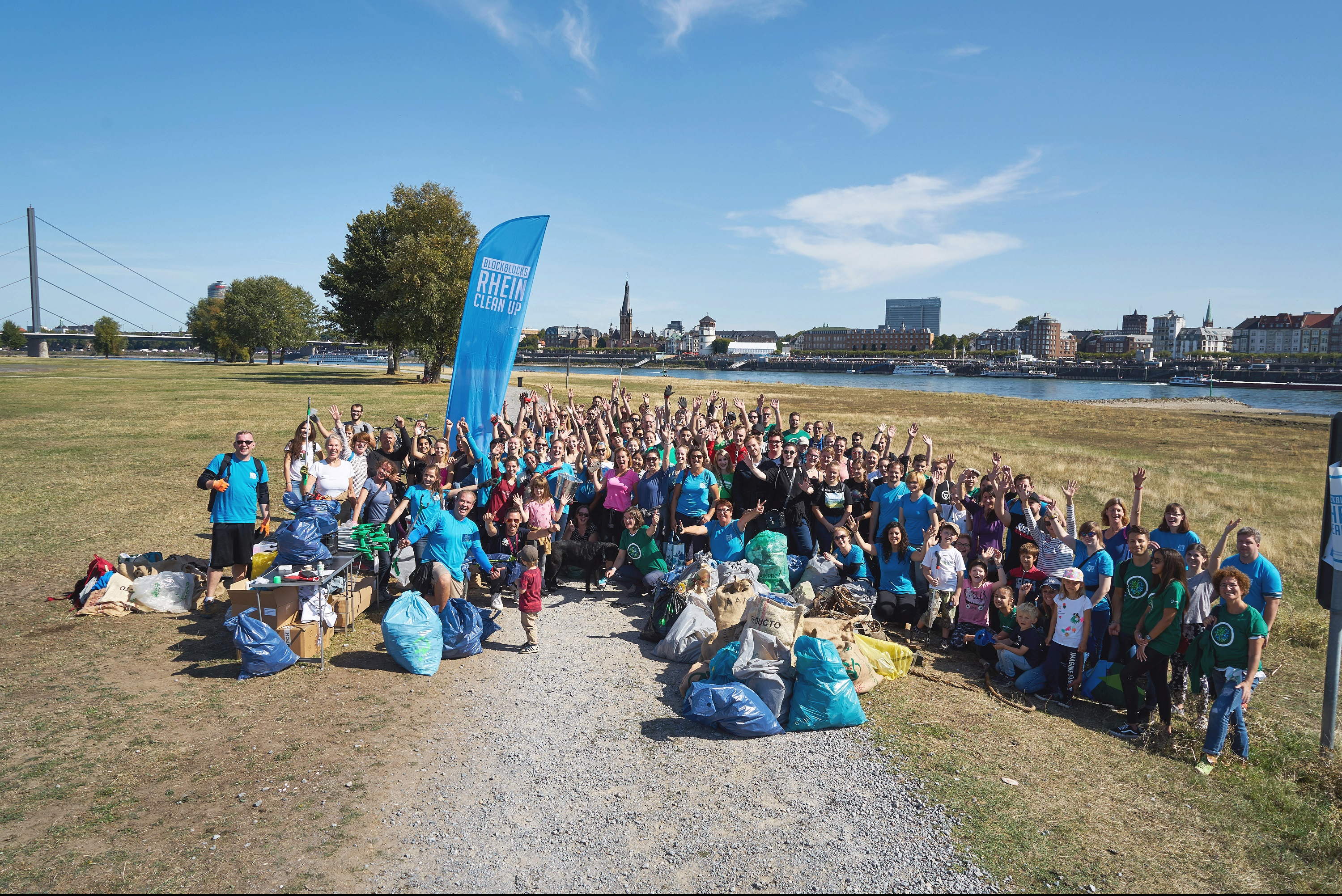 Blockblocks Rhein Cleanup - Foto: Karsten Günter